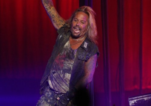 Yes, the Audio of Vince Neil sounding like Bob Dylan is Real (Video)