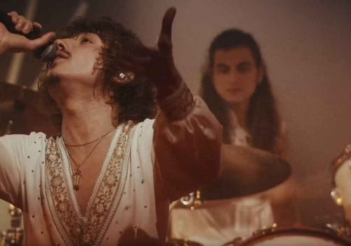 I like organs...especially when they're wearing white body suits and boots! WAIT! WHAT? Have a look at Greta Van Fleet's spacey new video for