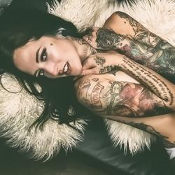 Courtney Andraya